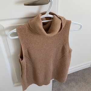 Abercrombie & Fitch sleeveless knit sweater